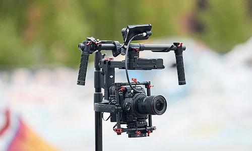 دوربین فیلمبرداری کانن Canon EOS C200 EF