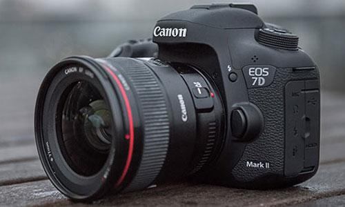 دوربین کانن 7D Mark II Body