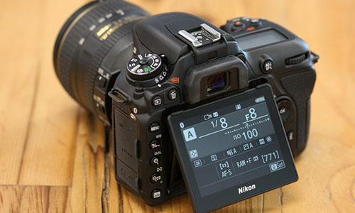دوربین D7500 با لنز 18-140