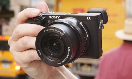 دوربین سونی آلفا a6300 با لنز 18-135